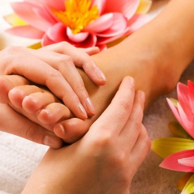 Fendy-Wellness-Massagen-Altendorf-SZ-Fussreflexzonen-Massage